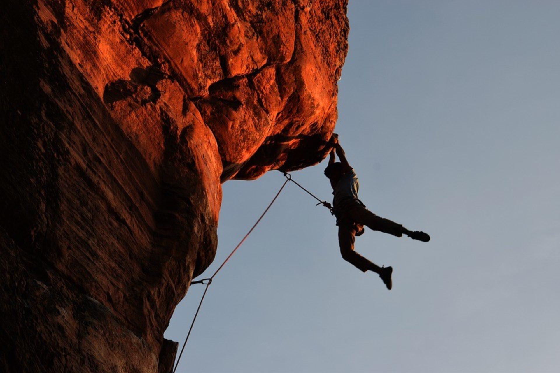 Arrampicata o Climbing: cos'è, tecniche, attrezzatura, benefici e percorsi